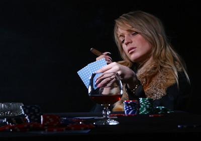 Levads tiešsaistes pokerā